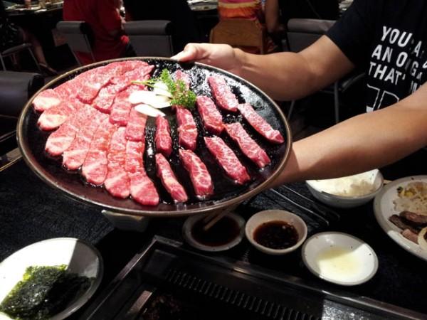 Naturally HI_ Yakiniku Hiroshi's tray of  beef
