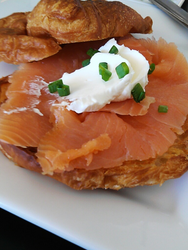 Smoked-Salmon-on-Croissant